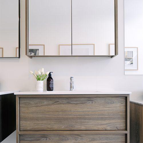 Neon90 wall hung vanity
